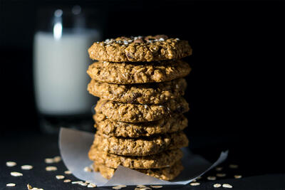 VGuilt-Free Oatmeal Cookies