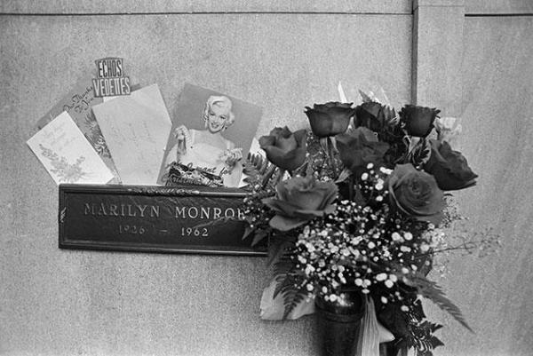Joe DiMaggio and Marilyn Monroe - His Love Shown in Flowers