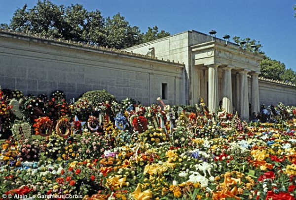 Korean Flowers For Funeral Presley's Funeral Flowers
