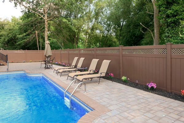 Pool Privacy Fence va. fence law: who's actually responsible for the cost of my fence?