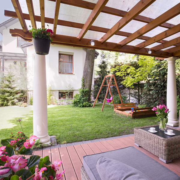 5 Things You Give Up When You DIY Your Pergola Instead of Going Custom