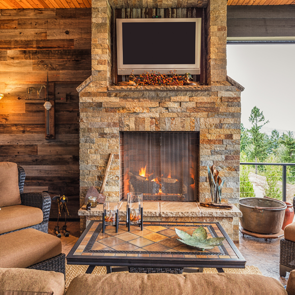Gas Logs vs. Wood-Burning Outdoor Fireplaces