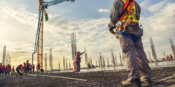 Bouwbedrijven overtreden structureel veiligheidsregels
