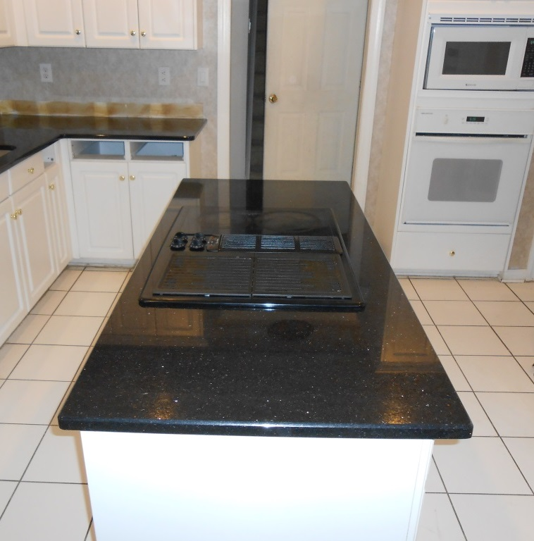 Black Galaxy Granite Kitchen: Black Galaxy Granite