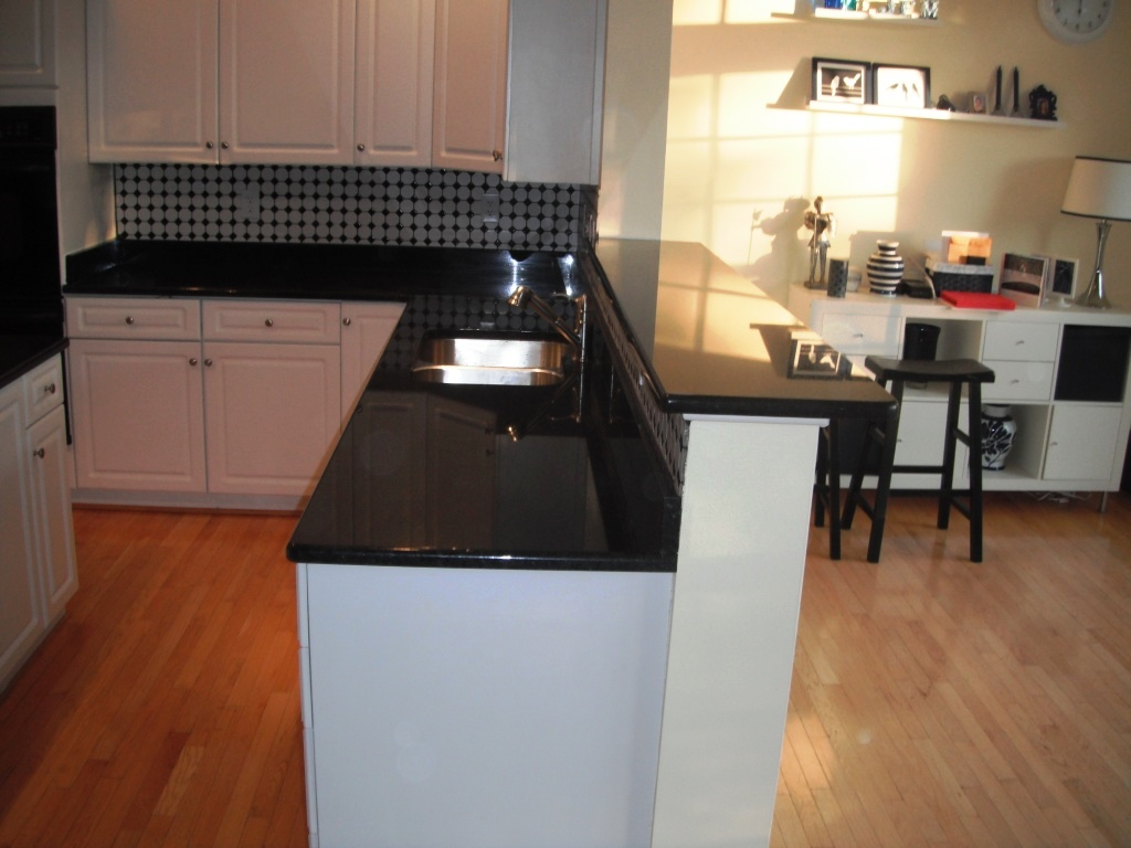 Emerald Pearl Granite Kitchen Black Pearl Granite Countertop