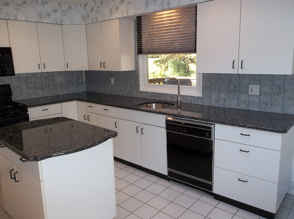 Blue sapphire granite countertops charlotte nc for Examples of granite countertops in kitchens