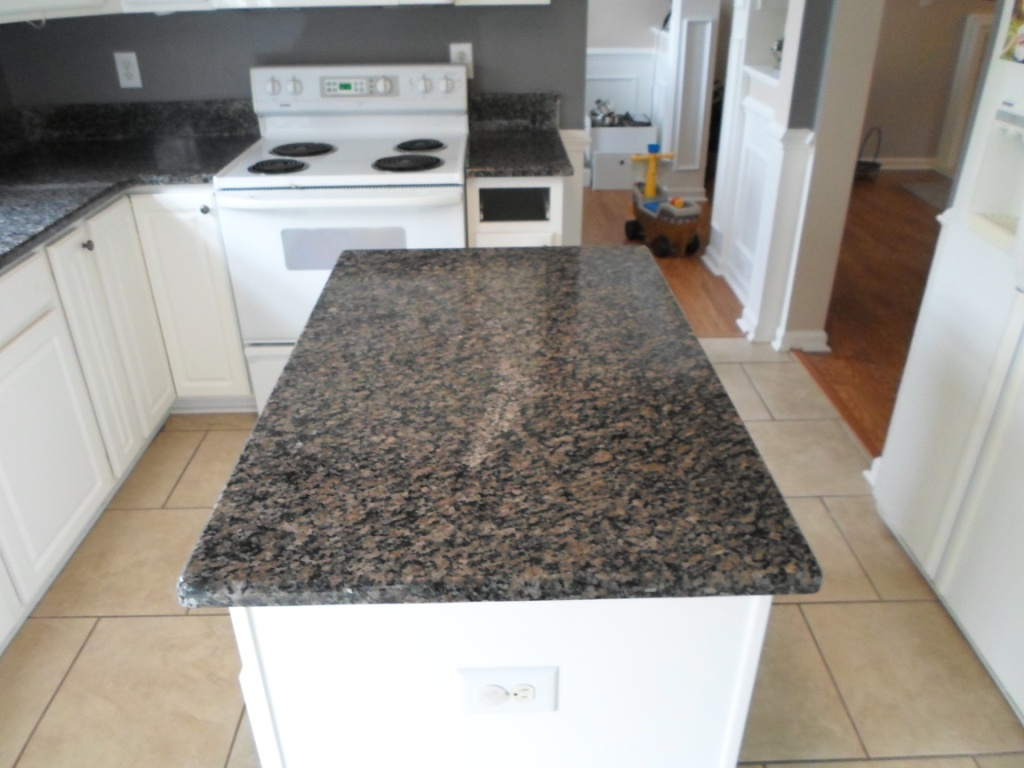 Brown Granite With White Cabinets : Desert brown granite with white cabinets roselawnlutheran