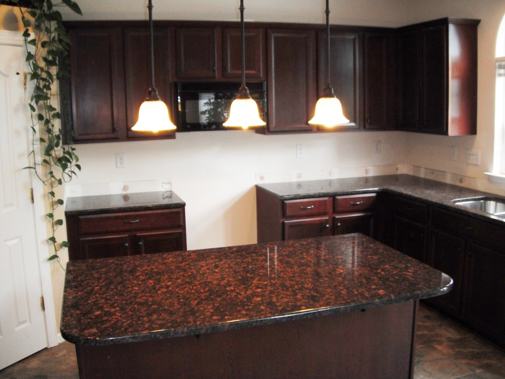 Granite Countertops Colors Tan Brown : Granite Colors Charlotte Tan Brown Granite