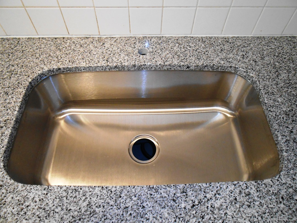 Granite Or Stainless Steel Sink : stainless steel sink santa cecilia granite 100 stainless steel sink ...