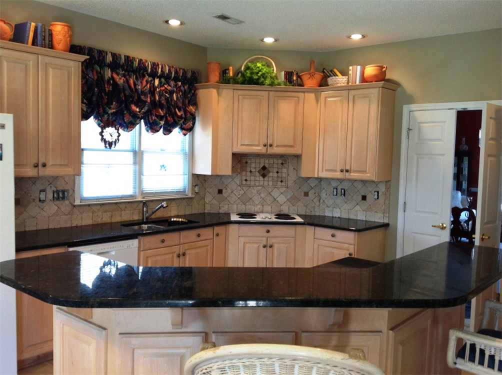 Charlotte nc granite for Charlotte kitchen cabinets