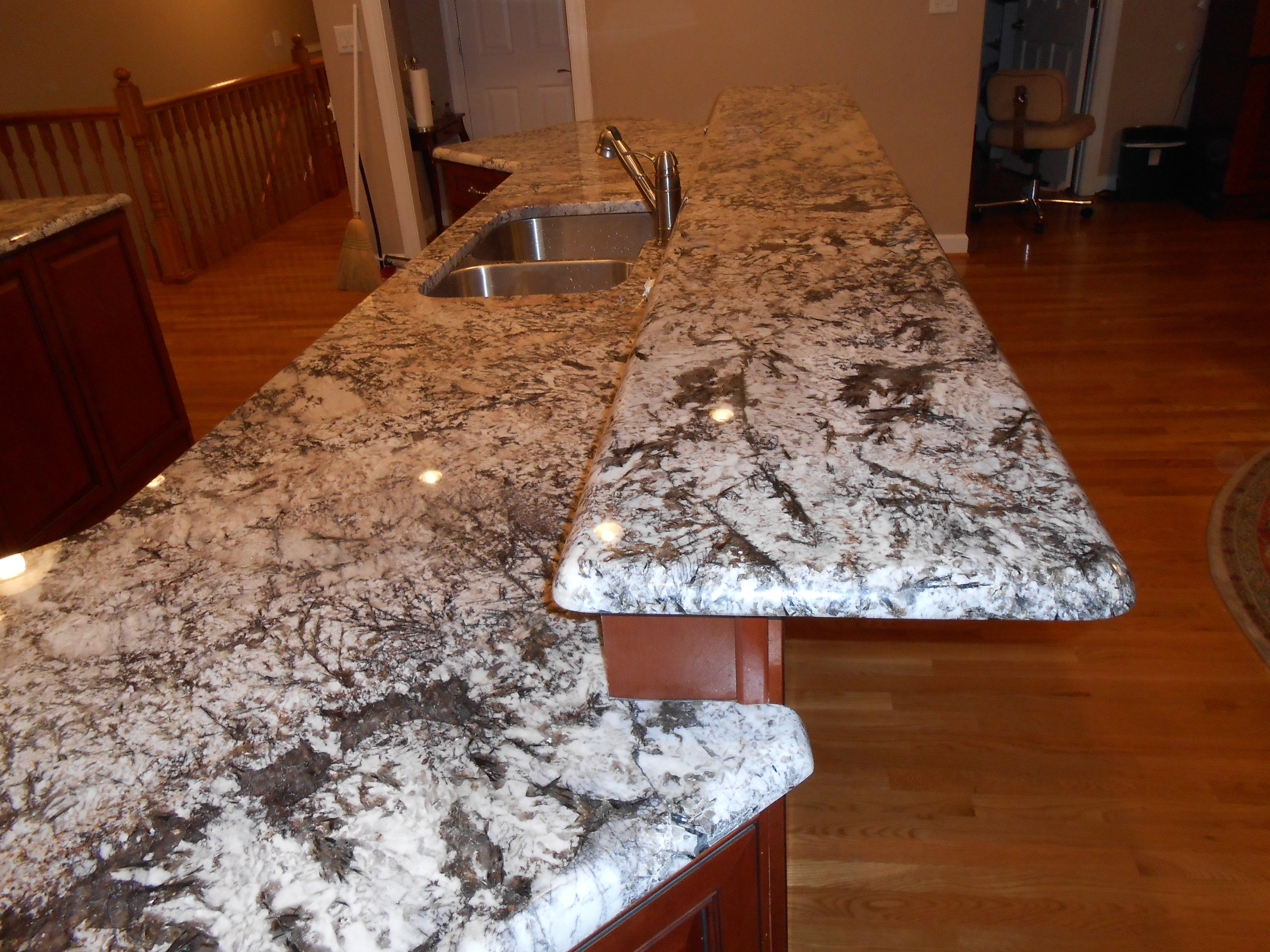 Granite Countertop Edges : Granite Countertop Edge Treatment Options