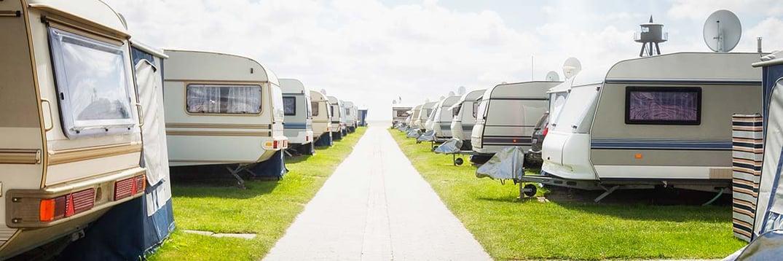 "Camping-Versicherung – Das ""grüne"" Zuhause"