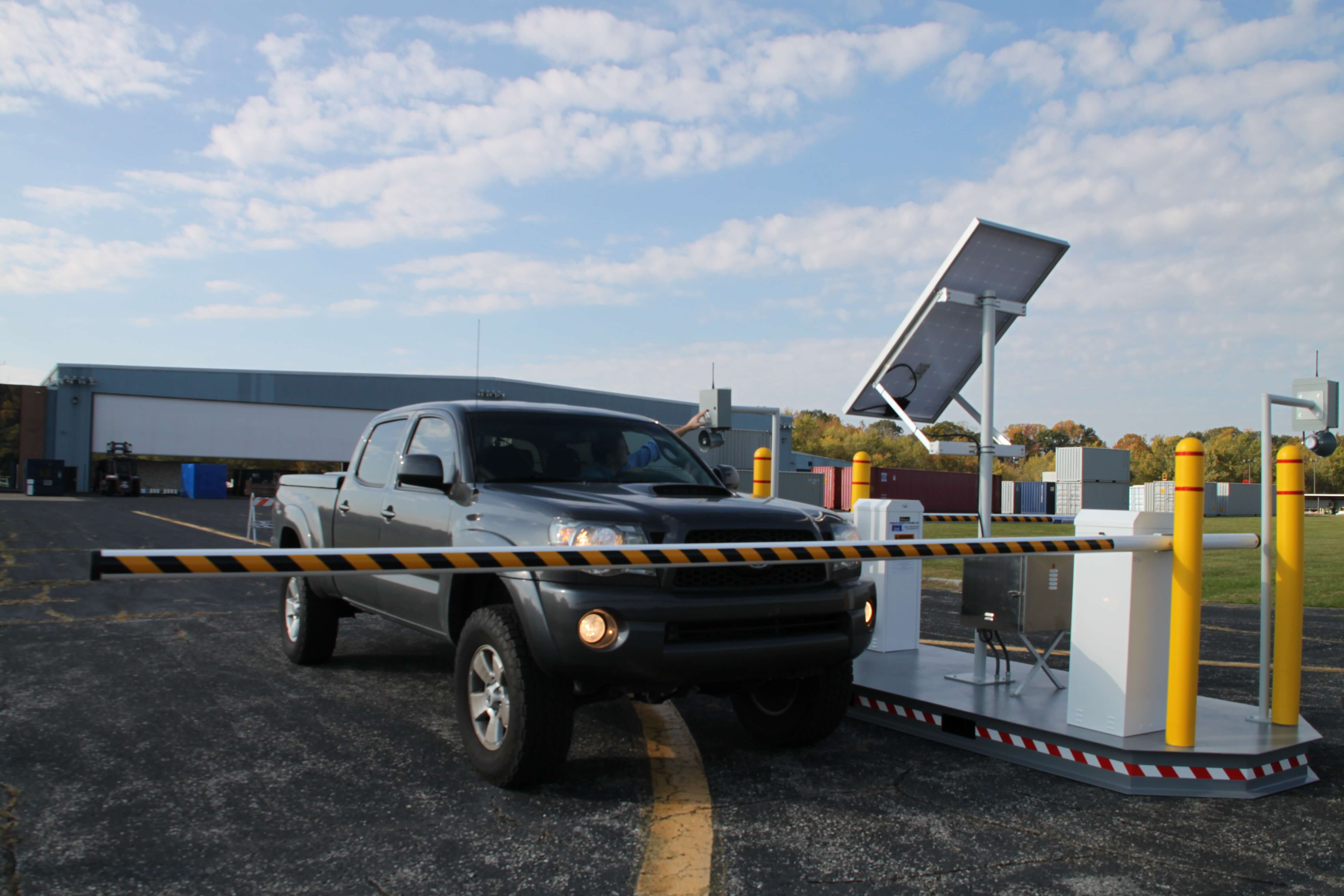 VAC Solar, Solar Power Vehicle Gate, Vehicle gate with solar power