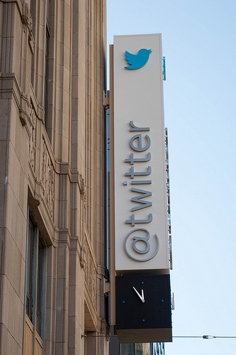 Twitter Hits Home Run with Moments - Inbound Marketing Highlights