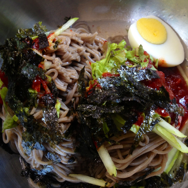 korea naengmyeon ice noodles