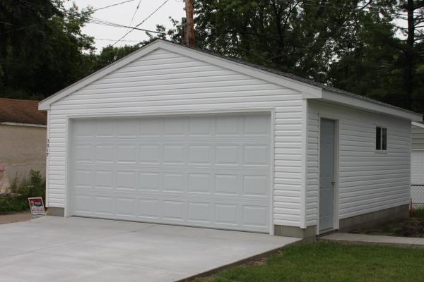 Minneapolis garage builders st paul detached garage for Garage auto st genest lerpt