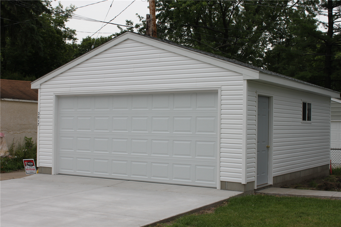 Minneapolis garage builders image gallery st paul mn for Two car garages