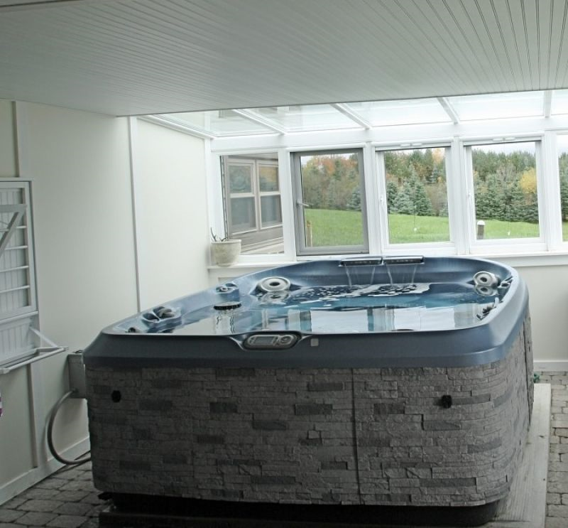 hot tub room tully