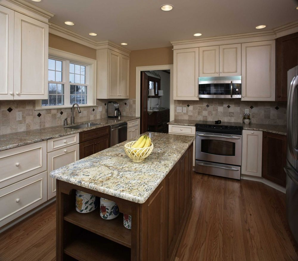 Kitchen island design ideas photos and descriptions for Kitchen granite countertops colors