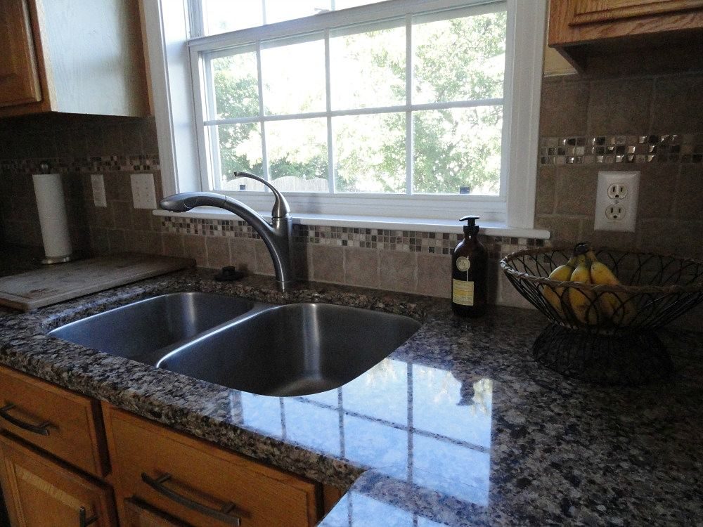 Superior Backsplash Tiles Are Tumbled Travertine With Glass Mosaic Accents. New  Hardware Updates The Existing Cabinetry