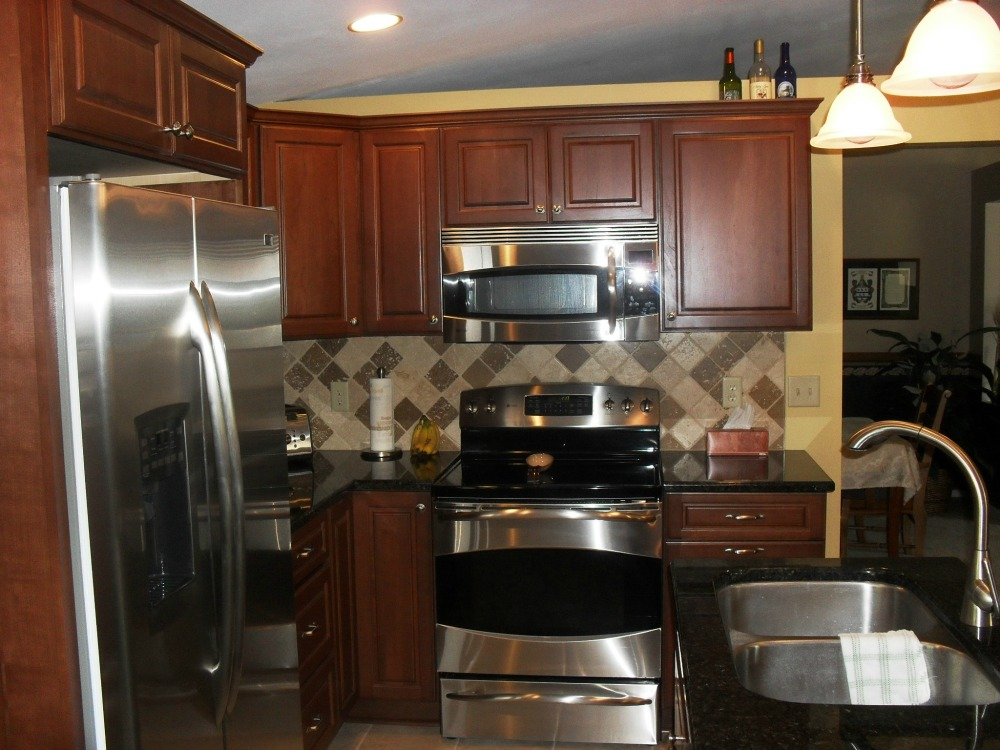 Under Counter Microwave For Easier Works: Kitchen Cabinets Installation & Remodeling Company