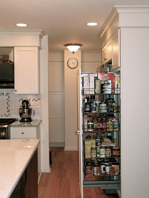 The pullout food pantry helps organize supplies and keeps them at the cooks' fingertips.