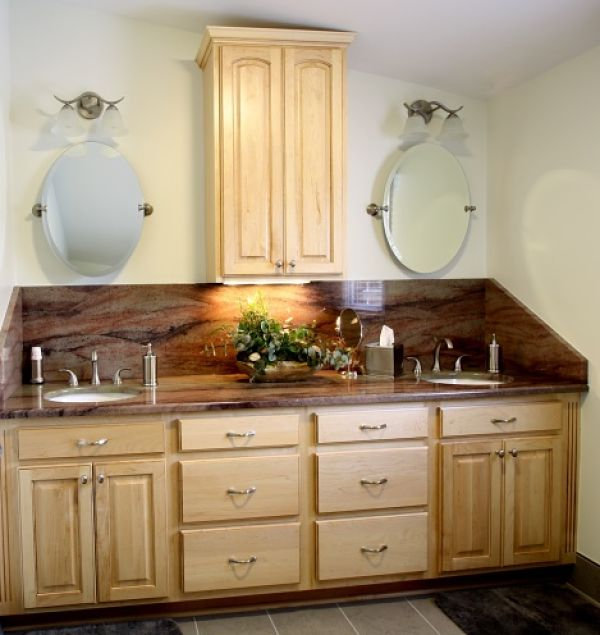 A Stunning Slab Of Granite Was The Inspiration For The D Cor In This Updated Master