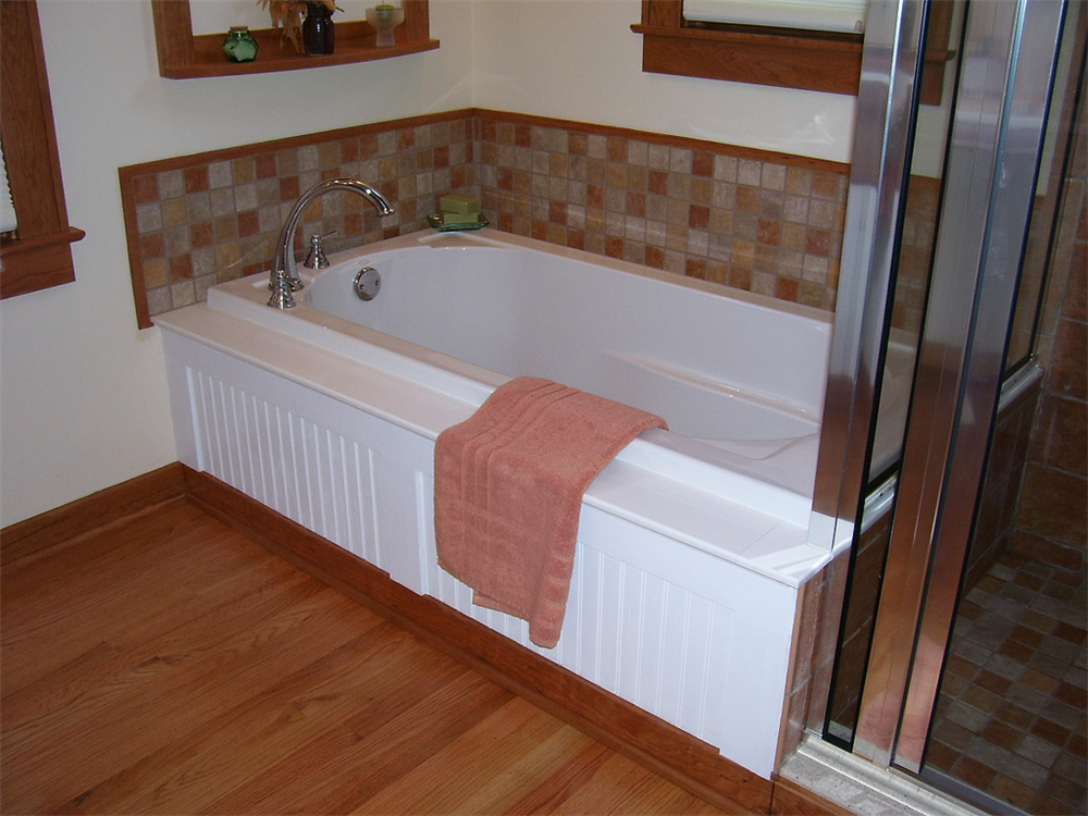 This Soaking Tub Has A Wood Beadboard Front And Tile Splash That Ties Into The Attached Custom