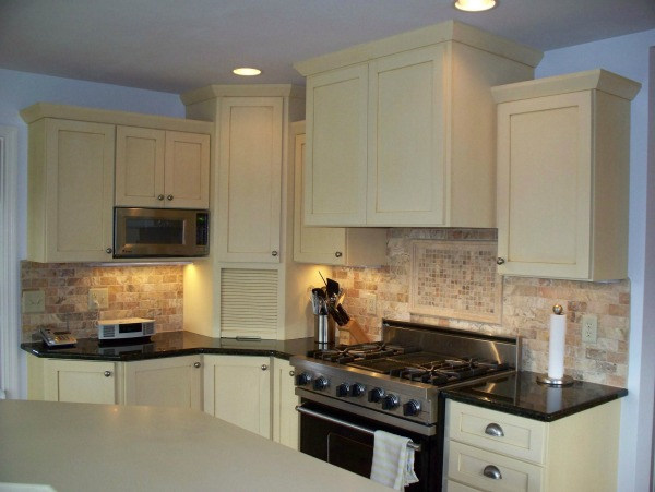 White Painted Shaker Kitchen Cabinet Doors