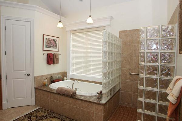 3 design options for today s walk in showers - Walk in shower no door ...