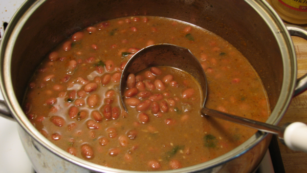 beans%20pot-resized-600.jpg
