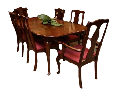 Pre Owned Harden Furniture Queen Anne Dining Set