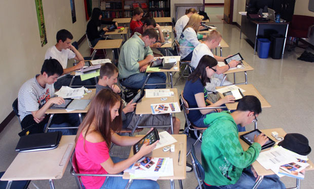 4 Aspects of Using iPads in the Classroom that's Got You ... Ipads In The Classroom