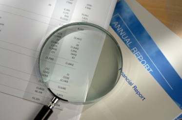 iStock magnifier on financials small