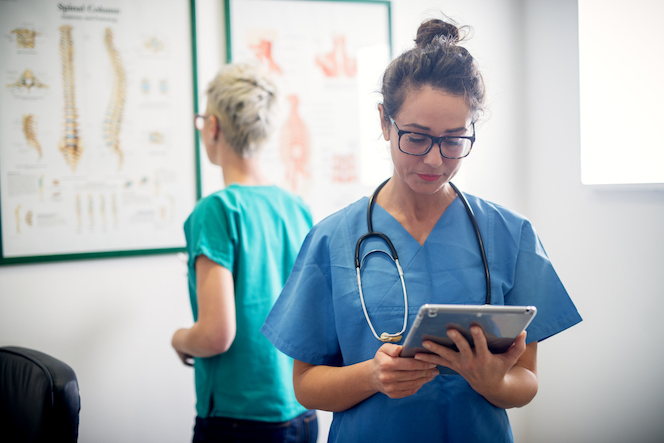 5 Ways Microlearning Can Make a Difference In Healthcare Training and Patient Outcomes