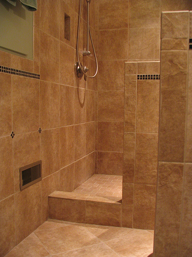 Kitchen and bathroom remodeling in austin texas for Glass tile bathroom designs