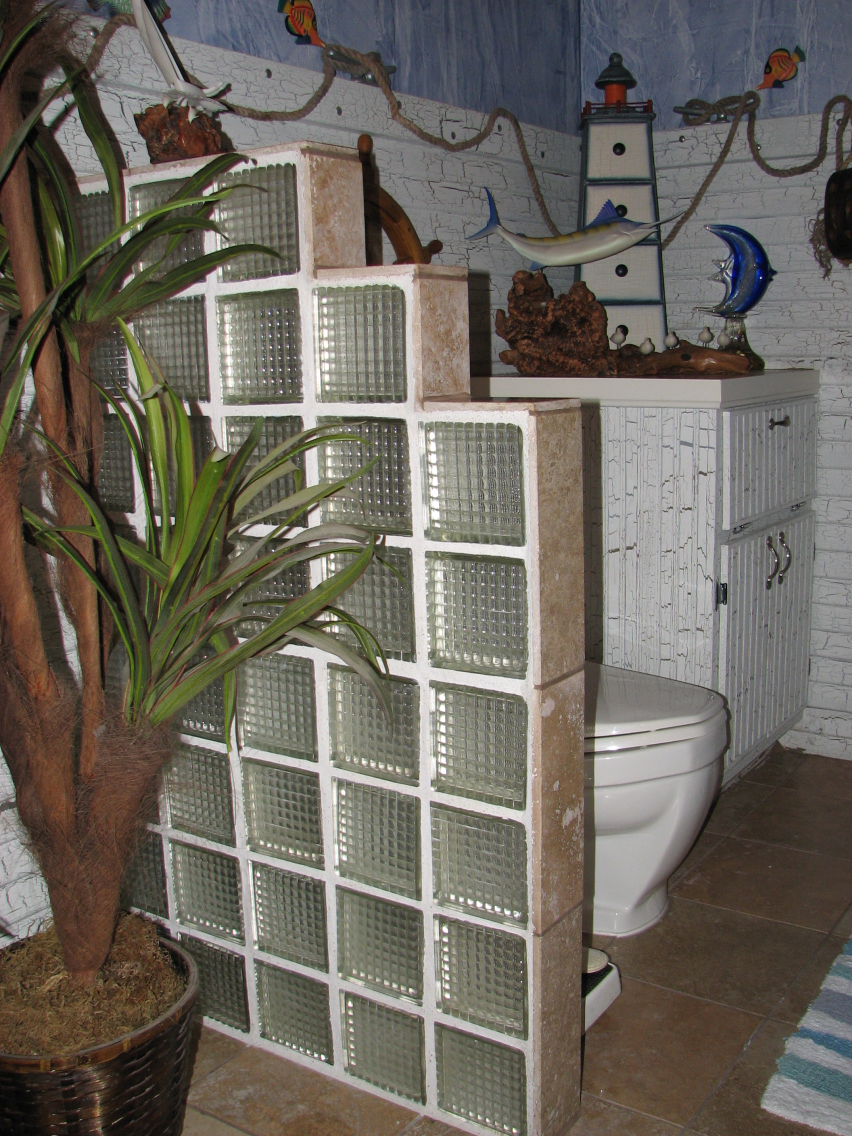 use glass blocks in designs where privacy is an issue - Bathroom Designs Using Glass Blocks
