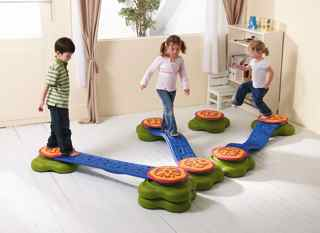 Commercial Quality for the home! Creating different path combinations of the water-lily system can help children cultivate spatial concepts and improve their action planning and problem solving skills.