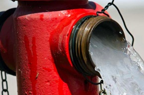 safely-lift-a-hydrant