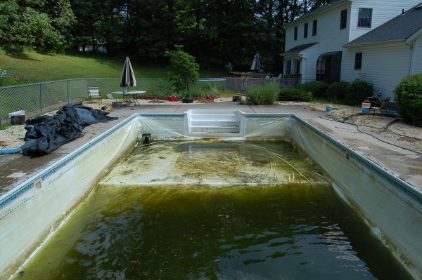 What Are The Pros And Cons Of A Vinyl Liner Pool