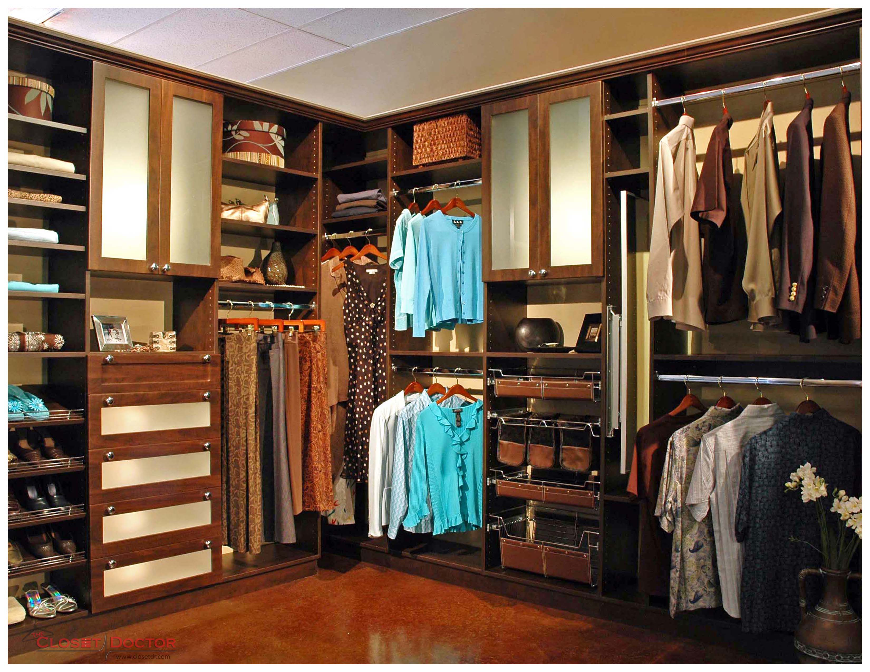 Wall Mounted Vs Floor Mounted Closet Systems