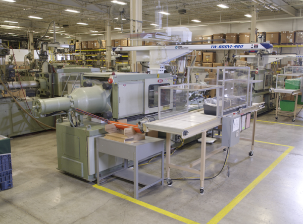Plastic Injection Molding 101 - The Basics of an Injection Press ...