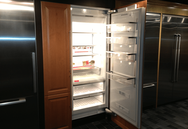 subzero vs miele integrated refrigerator columns which is. Black Bedroom Furniture Sets. Home Design Ideas