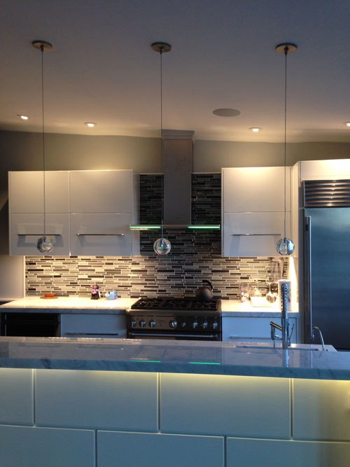 Makeover Monday: Light Layering and Under Cabinet Lighting ...