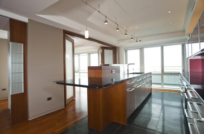 Beautiful Battery Wharf Condo
