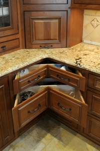 Corner Kitchen Cabinet Ideas on Cabinet In The Corner This Client Opted For The Ease Of The Corner