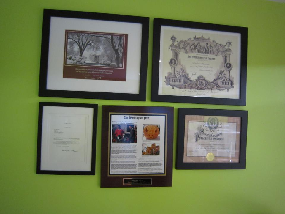framed article plaques, old newspaper articles, frame old newspaper articles
