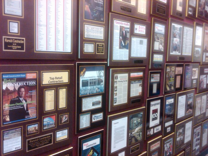 newspaper article plaques, magazine frame, personalized plaques, corporate plaques, laminated plaques, business plaques