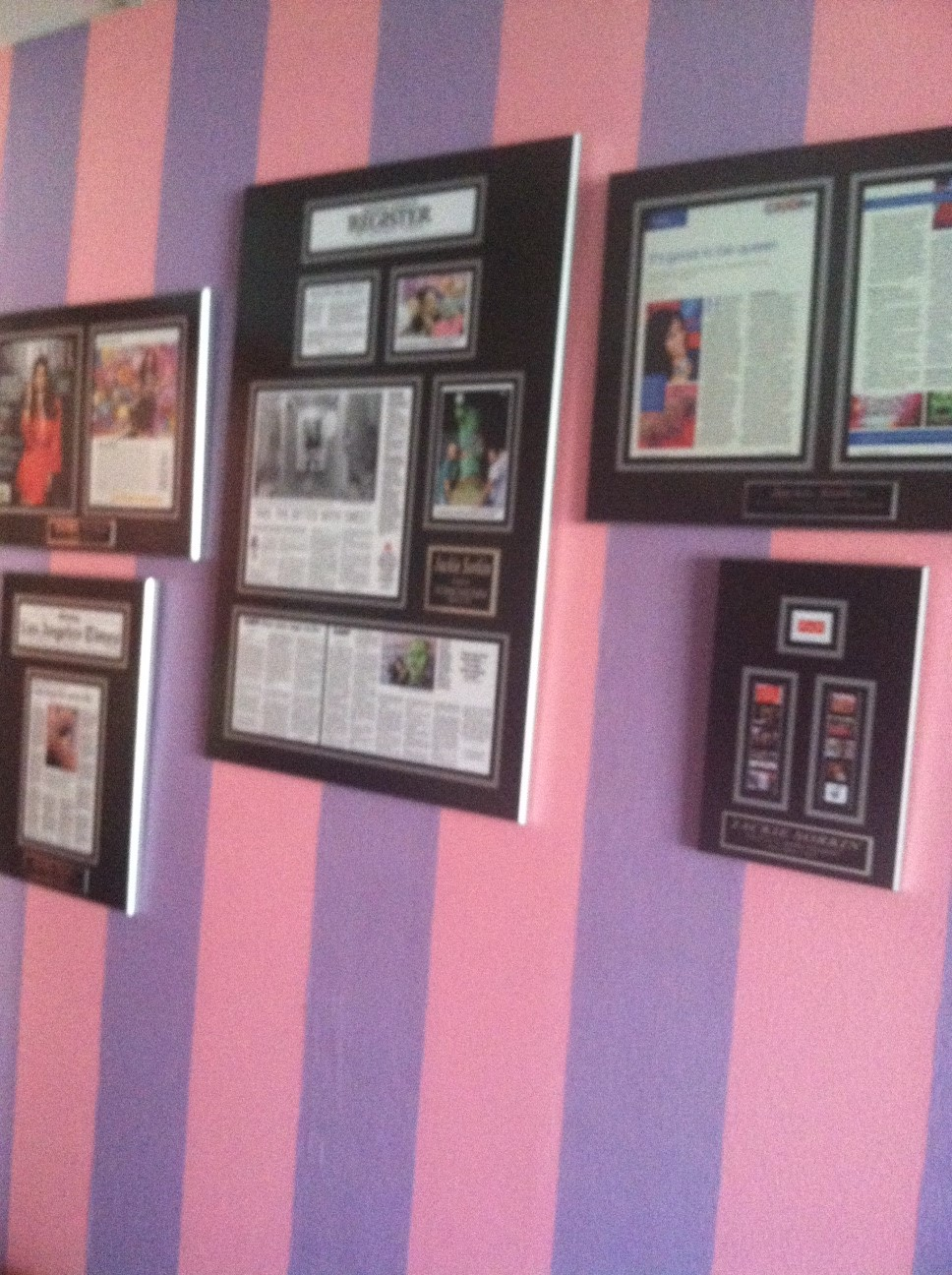 business plaques,laminated plaques,personalized plaques,corporate plaques,magazine frame,newspaper article plaques