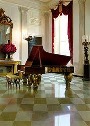 grand piano placement